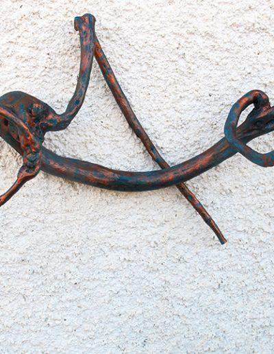 Schaukelgänger', Ginsterholz, Fundort Andalusien, mit Bronze, Ultramarine und Blau koloriert.
